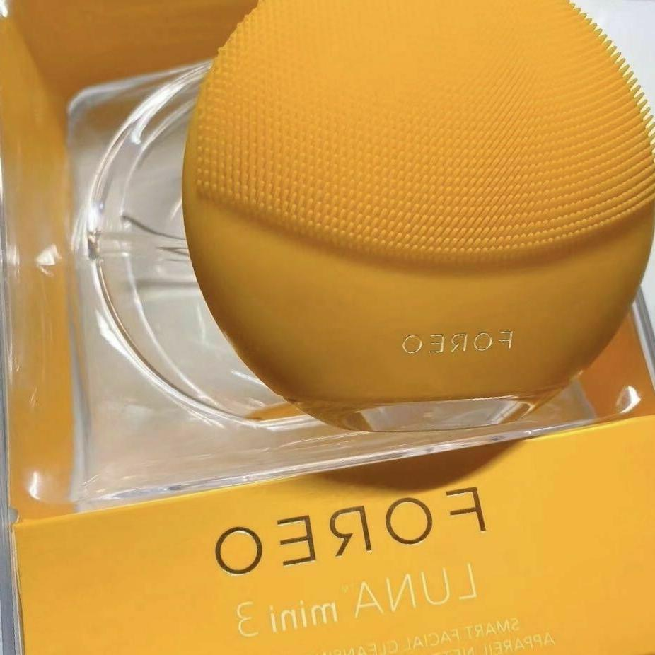 Latest FOREO 3 Facial Cleansing Firming Massager sealed